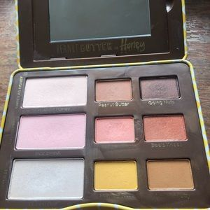 Too Faced Peanut Butter and Honey Palette